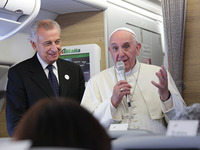 Pope_Francis_1_on_the_papal_flight_from_Cub....jpg