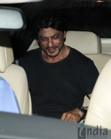 Shahrukh-Khan-spotted-at-Olive-Bar-9.jpg