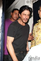 Shahrukh-Khan-spotted-at-Olive-Bar-4.jpg