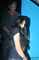 shahrukh-khan-spotted-at-olive-bar-1.jpg