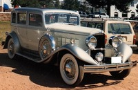 1931-32 Reo Royale Sedan white and silver.jpg