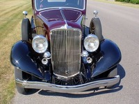 1933 Reo Royale, sedan, burgundy and black, 2.jpg