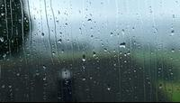 800px--Radevormwald_-_Raindrops_on_a_window....jpg