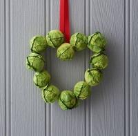 preview_small-heart-brussel-sprout-wreath.jpg