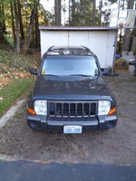 Jeep 2006 Commander front.JPG