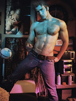 Chris Evans Flaunt 001.jpg